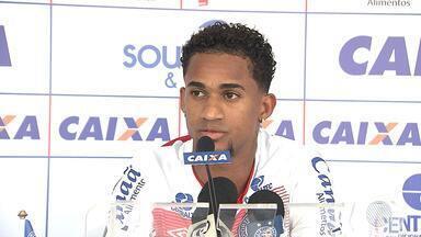 Torcedores e lateral do Bahia comentam sobre o desempenho do time na 'Série A' - Confira as notícias do tricolor baiano.