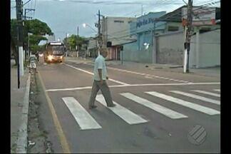 Faixa de pedestres é revitalizada em Belém - Faixa de pedestres é revitalizada em Belém