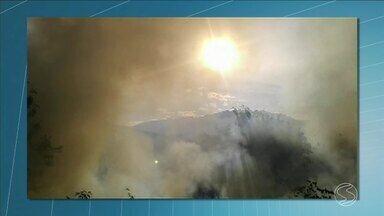 Período de tempo seco aumenta registros de queimadas na Sul do Rio - Em Resende, foram registrados sete focos de incêndio em um único fim de semana.