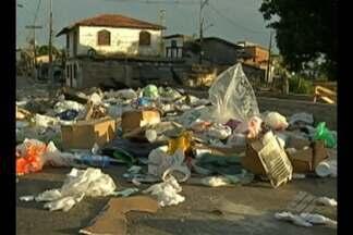 Lixo continua acumulado no bairro do Telégrafo, em Belém - Lixo continua acumulado no bairro do Telégrafo, em Belém