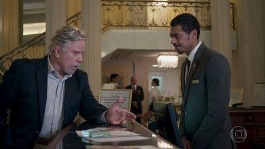 Athaíde pede informações sobre Ulla no hotel - Do lado de fora, Lígia e Sabine trocam farpas