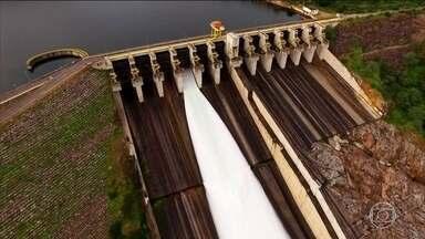 Rio São Francisco tem vazão reduzida ao menor nível desde 1979 - Objetivo é evitar que reservatórios do rio cheguem ao volume morto. Barcos maiores já não conseguem mais navegar em algumas regiões.