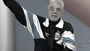 Morre em Porto Alegre o jornalista Paulo Sant'Ana, aos 78 anos - Um dos comunicadores mais populares do Rio Grande do Sul, Sant'Ana foi internado nesta quarta na UTI do Hospital Moinhos de Vento com insuficiência respiratória e infecção generalizada.