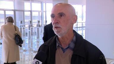 Amigos e colegas relembram irreverência de Paulo Sant`Ana - Assista ao vídeo.