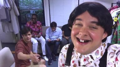 Gui Santana (Zaca) mostra um pouco do que rola dentro do camarim dos Trapalhões - Confira o vídeo!
