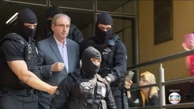 PGR pede ao Supremo que mantenha Eduardo Cunha preso - No parecer que enviou ao Supremo, o procurador Rodrigo Janot disse que Eduardo Cunha ainda pode cometer crimes e influenciar aliados no Congresso.