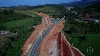 MP investiga o motivo da não-duplicação de uma estrada considerada uma das mais perigosas - Em 475 km de rodovia, no trecho em que a BR-101 passa pelo ES, 98 pessoas morreram este ano.