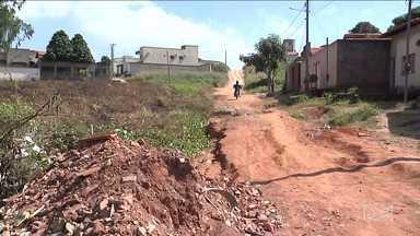 Moradores de Açailândia reclamam de falta de infraestrutura - Ruas da cidade tem vários problemas que se estendem a cada dia