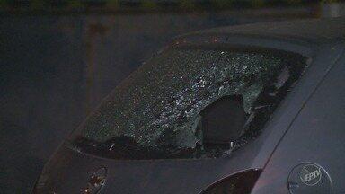 Comerciante é morto a tiros na porta de casa na Vila Aeroporto, em Campinas - O homem chegava em casa junto com a esposa quando foi surpreendido pelos suspeitos. A mulher conseguiu escapar dos tiros.