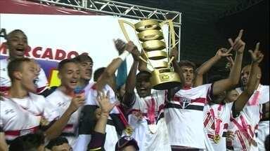No sub-17, São Paulo bate Flamengo na final e conquista Taça BH - No sub-17, São Paulo bate Flamengo na final e conquista Taça BH