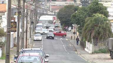Começa a funcionar binário nas ruas Minas Gerais e Rio de Janeiro, na Nova Rússia - A mudança no trânsito passou a valer hoje (01).