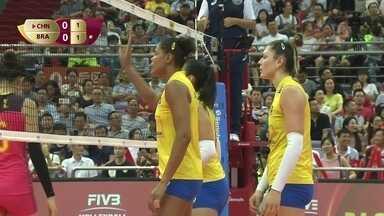 1º Set - Brasil explora o bloqueio chinês e empata: 1 a 1 - 1º Set - Brasil explora o bloqueio chinês e empata: 1 a 1