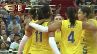 1º Set - Brasil empata de novo no saque de Carol: 9 a 9 - 1º Set - Brasil empata de novo no saque de Carol: 9 a 9