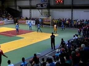 Com o astro Falcão, time de futsal de Sorocaba vence Dracena - Partida foi disputada na noite desta terça-feira (1º).