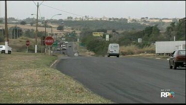 Caminhoneiros bloqueiam PR 323 em Umuarama - Protesto faz parte de uma mobilização nacional para pedir redução de combustível