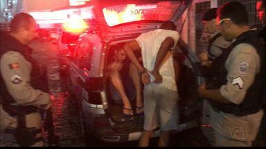 Polícia prende bandidos que fizeram assaltos no Bessa e em um shopping de Manaíra - Eles agiram na tarde de terça-feira.