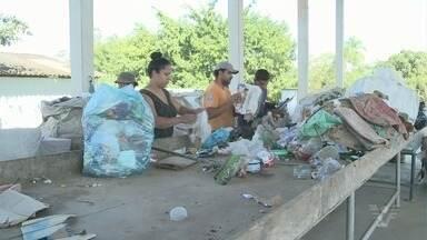 Cooperativa de reciclagem de lixo é alvo de vandalismo em Cajati - Roubos acontecem durante a noite, segundo funcionários.
