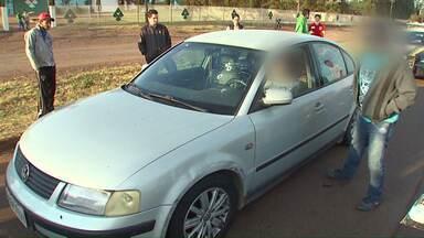 Policial reage e atropela bandido durante assalto na BR-277 - O policial civil é de Santa Catarina e voltava do Paraguai quando teria sido parado pelos assaltantes.