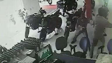 Empresário baleado em Sobradinho em uma tentativa de assalto está em estado gravíssimo - O empresário foi baleado ao reagir a uma tentativa de assalto a uma loja de motos e está em estado gravíssimo no Hospital de Base.