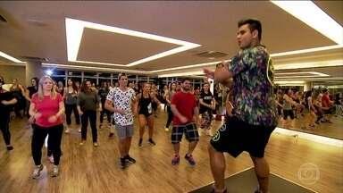 Bem Estar acompanha primeira aula de zumba de quem quer aprender a dançar - Muitos não têm jeito para a dança, não têm ritmo, muito menos coordenação. Mas todos acreditam que podem aprender depois de algumas aulas.