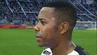 Robinho prioriza Libertadores e fala sobre distância no Campeonato Brasileiro - Gaúchos vencem e seguem em segundo lugar, a oito pontos do líder, Corinthians.