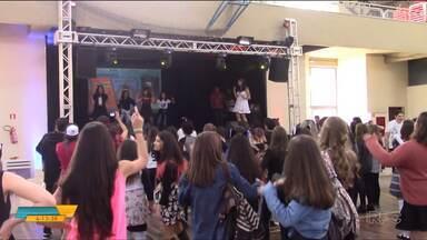 Festival celebra cultura coreana em Curitiba - O evento teve dança, exposição de produtos e promoveu o encontro dos entusiastas da cultura coreana.