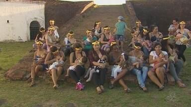 Mães se reúnem em Macapá para a 'Hora do Mamaço' - Evento aconteceu também em outras 80 cidades do país.