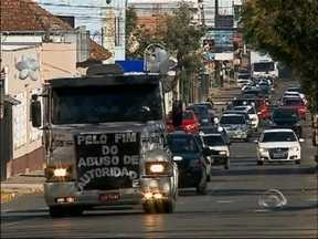Moradores protestam contra abuso de autoridade em Soledade, RS - Protesto ocorreu na tarde do último domingo (06)