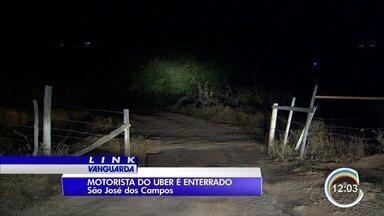 Corpo de motorista da Uber morto é enterrado na zona sul de São José - Marcos de Faria, de 29 anos, estava desaparecido desde a madrugada de segunda (7) e foi encontrado morto nesta quarta (9) em uma fazenda na zona sul.