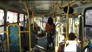 Usuários do transporte público de Araguaína reclamam do calor nos ônibus da cidade - Usuários do transporte público de Araguaína reclamam do calor nos ônibus da cidade