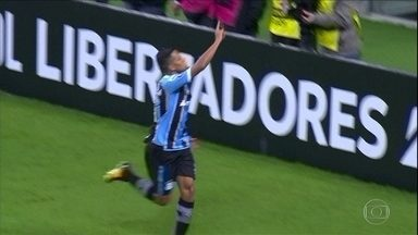 Grêmio vira em casa sobre o Godoy Cruz e passa para as quartas de final da Libertadores - Grêmio vira em casa sobre o Godoy Cruz e passa para as quartas de final da Libertadores