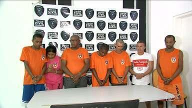 """Presos em operação são líderes de facção criminosa no Maranhão, diz Senarc - Sete pessoas foram presas, 100 quilos de maconha prensada apreendidas e três veículos confiscados durante a """"Operação Jansen"""" da Polícia Civil do Maranhão"""