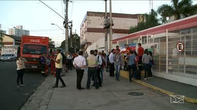 Explosão causa incêndio em distribuidora de bebidas em São Luís - Explosão causa incêndio em distribuidora de bebidas em São Luís