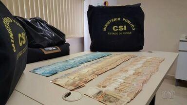 Cinco são presos supeitos de fraudar boletos do IPTU em Caldas Novas, GO - MP-GO cumpriu oito mandados em órgãos da Prefeitura da cidade.