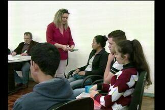 SINE realiza ações para jovens - Em Santa Rosa, RS, jovens de 18 a 24 anos receberam auxílio para o futuro profissional.