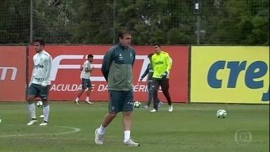 Após elminação traumática, Palmeiras volta aos treinos cheio de problemas para resolver - Após elminação traumática, Palmeiras volta aos treinos cheio de problemas para resolver