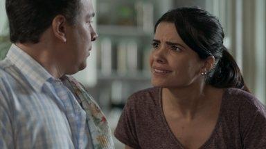 Antônia pede que Nelito não conte nada a ninguém sobre a investigação - Ela teme a possibilidade de Júlio ser o ladrão, Pedrinho chega logo e interrompe a conversa