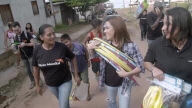 Wanessa ajuda a montar uma briquedoteca em Bela Vista - Cantora também ajuda na triagem de pessoas para atendimento médico