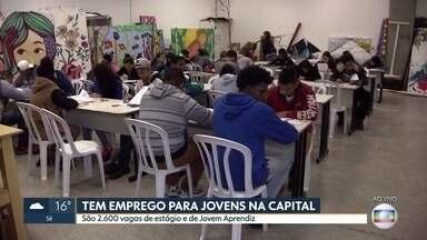 Quase um milhão de pessoas estão desempregadas em SP - O IBGE diz que entre janeiro e maio foram criadas 26,8 mil vagas no estado para jovens com até 29 anos.