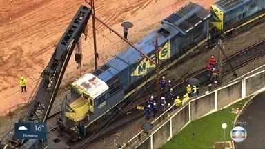 Descarrilamento causa problemas na Linha 7 Rubi da CPTM - Um comboio com cinco locomotivas descarrilou entre as estações Francisco Morato e Baltazar Fidélis.