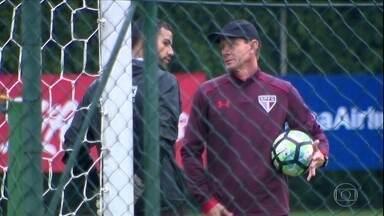 Renan Ribeiro não gostou de receber a notícia de que sairá do gol do São Paulo; assista - Renan Ribeiro não gostou de receber a notícia de que sairá do gol do São Paulo; assista