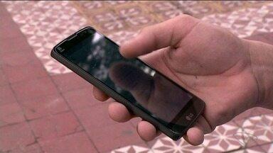 Empresas do Sul do ES falam da proibição e liberação de celulares no trabalho - Há empresas que não deixam os funcionários fazerem uso.