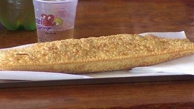 Empresário fatura com a venda de pastéis em rodovia de SP - Pastéis viraram o ponto de parada na viagem para o litoral de São Paulo. No último ano, o empresário faturou mais de R$ 1,5 milhão com o negócio.