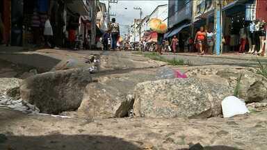 Promessa é que a reforma da Rua Grande, em São Luís, tenha início em novembro - Se a Rua Grande, em São Luís, estivesse em melhores condições de infraestrutura, seria um bom motivo pra atrair os consumidores desanimados com a falta de grana.
