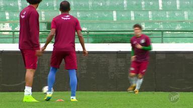 Guarani tenta reabilitação na série B do Brasileirão após 7 jogos sem vencer - Última vitória do bugre foi no dia 11 de julho em jogo contra o Goiás que terminou em 1 a 0.