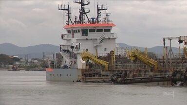 Moradores suspeitam que navio histórico tenha naufragado no Rio Itajaí-Açu há 100 anos - Moradores suspeitam que navio histórico tenha naufragado no Rio Itajaí-Açu há 100 anos