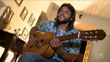 Cantor Rommel Ribeiro faz show para apresentar novas músicas de trabalho - Radicado no Canadá há 12 anos, o cantor e compositor maranhense Rommel Ribeiro faz show amanhã em São Luís, para mostrar canções do novo disco.