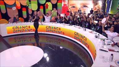 Hoje é dia de Criança Esperança - O dinheiro arrecadado na campanha é doado para várias entidades no Brasil.