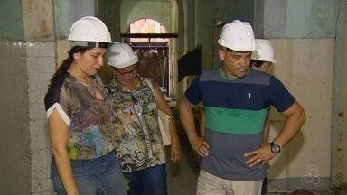 Mutirão de limpeza é realizado no prédio abandonado da Santa Casa em Manaus - Santa Casa está desativada desde 2004.