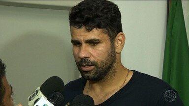 Em Aracaju, Diego Costa participa de reuniões e fala sobre destino no futebol - Em Aracaju, Diego Costa participa de reuniões e fala sobre destino no futebol